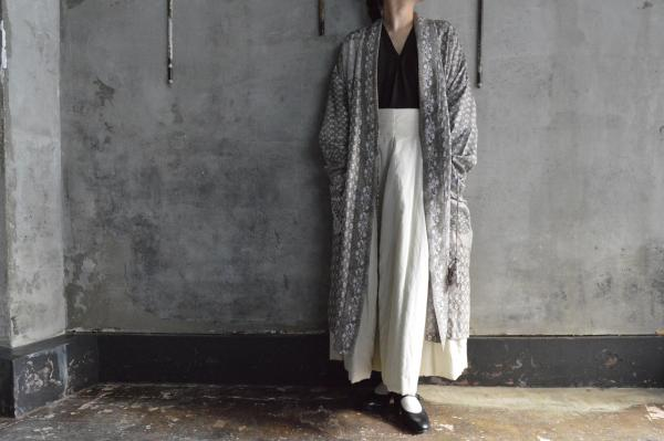 TOWAVASE「Tsubomi」Silk Printed Robe Gown