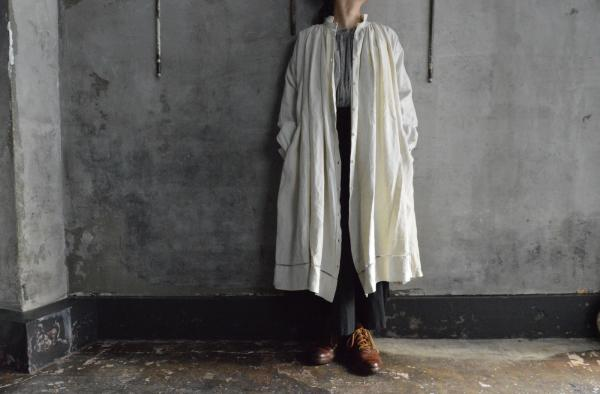 kaval Open Gather Onepiece Antique Linen